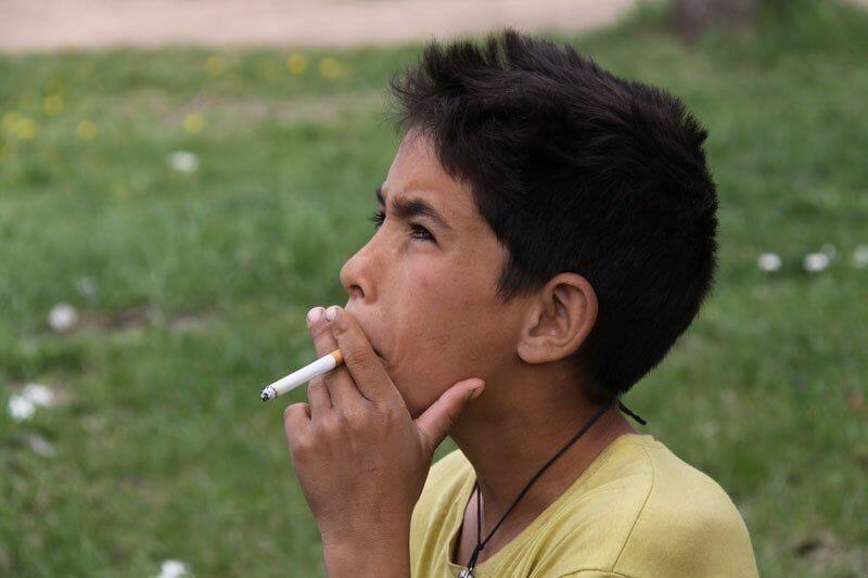 Картинки школьник курит